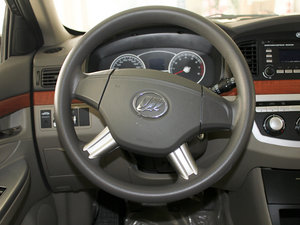 2010款1.5L 手动精英型 方向盘