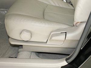 2010款1.5L 手动精英型 座椅调节