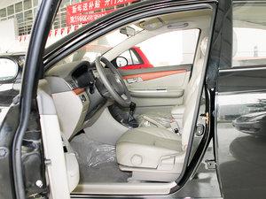 2010款1.5L 手动精英型 前排空间