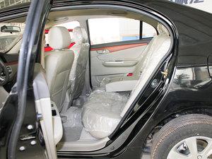 2010款1.5L 手动精英型 后排空间