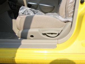 2012款冠军版 1.3L 酷行 座椅调节