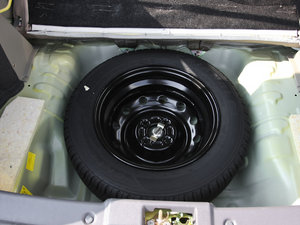 2012款冠军版 1.3L 酷行 备胎