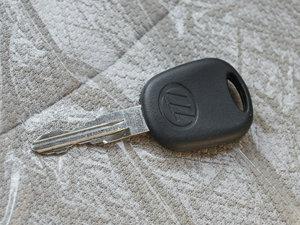 2012款冠军版 1.3L 酷行 钥匙
