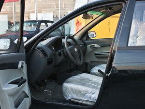 2011款领航版 1.3L 舒适型 前排空间