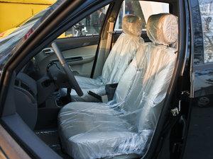 2011款领航版 1.3L 舒适型 前排座椅