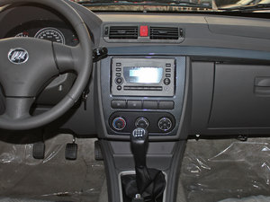 2011款领航版 1.3L 舒适型 中控台