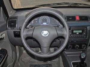 2011款领航版 1.3L 舒适型 方向盘