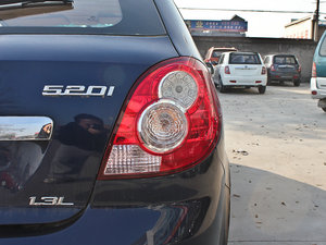 2011款1.3L 舒适版 尾灯