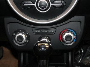 2014款1.3L VVT 手动标准型 中控区