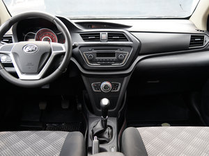 2015款1.5L 手动精英型 中控台