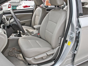 2014款1.5L 标准型 前排座椅