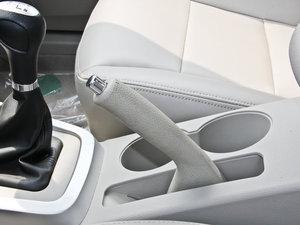 2014款1.5L 标准型 驻车制动器
