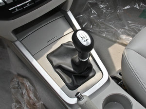 2014款1.5L 标准型 变速挡杆