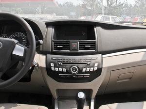 2014款1.5L 标准型 中控台