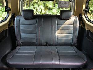 2015款1.2L 手动舒适型 后排座椅