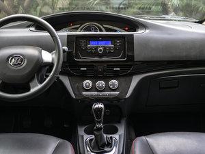 2015款1.2L 手动舒适型 中控台