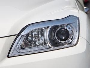 2015款1.8L CVT豪华型 头灯