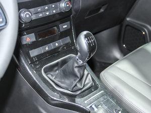 2017款1.5T 手动标准型 变速挡杆