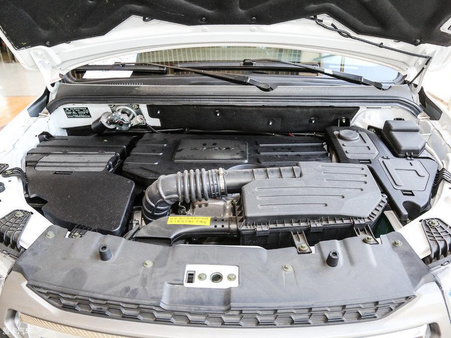 动力方面,迈威分别提供了1.5L和1.8L两款自然吸气发动机供消费者选择,1.8L自然吸气发动机的最大功率为98kW(133Ps)/6000rpm,峰值扭矩为168Nm/4200-4400rpm。