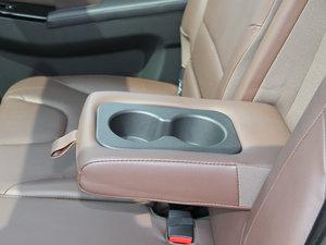 2017款1.5T 自动舒适型 后排中央扶手