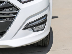 2017款1.8L 手动舒适型 雾灯
