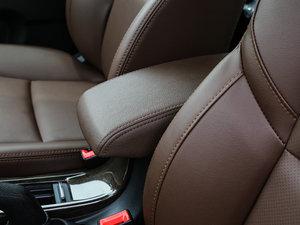 2017款2.0L 手动舒适型 前排中央扶手