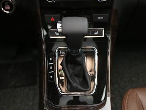 2017款2.0L CVT豪华型 变速挡杆