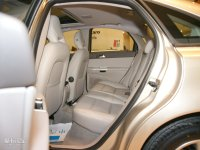 空间座椅沃尔沃S40后排空间