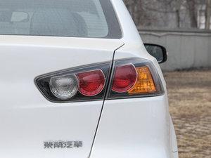 2016款1.8L MT黑白复刻版 尾灯