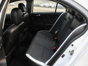 2016款1.8L MT黑白复刻版 后排座椅