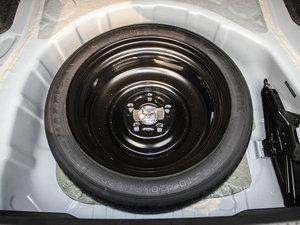 2016款1.8L MT黑白复刻版 备胎