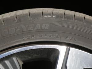 2018款全驱版 轮胎尺寸