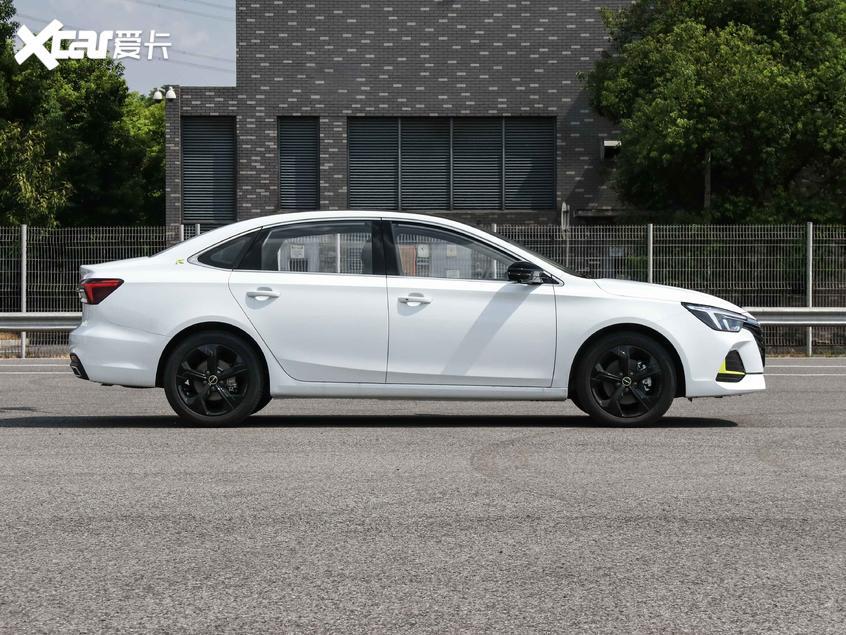 上汽荣威2020款荣威i6 MAX