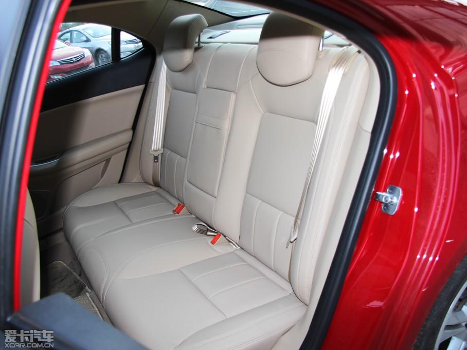 2013款荣威550 后排座椅