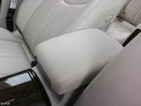 空间座椅荣威e950前排中央扶手