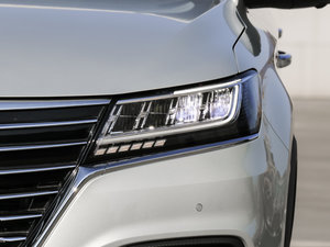 2017款EV400 头灯