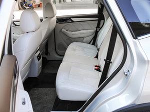 2017款EV400 后排空间