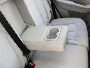 2017款EV400 后排中央扶手