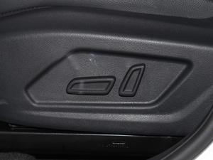 2017款ERX5 EV400 电动互联至尊版 座椅调节