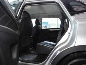 2017款ERX5 EV400 电动互联至尊版 后排空间
