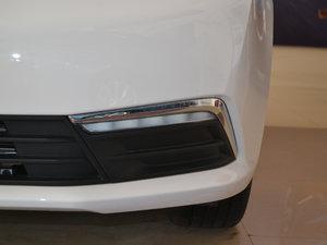 2017款1.5L 自动豪华版 雾灯