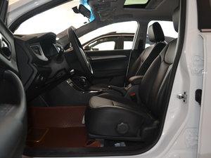 2017款1.5L 自动豪华版 前排空间