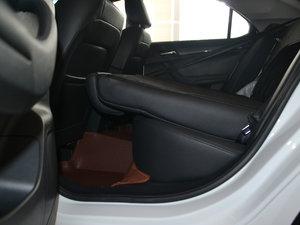 2017款1.5L 自动豪华版 后排座椅放倒