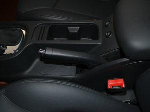 2017款1.5L 自动豪华版 驻车制动器