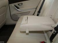 空间座椅荣威950后排中央扶手