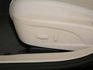 2017款30T 互联网旗舰版 座椅调节