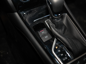 2018款18T 自动互联网智尊版 驻车制动器