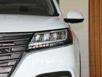 細節外觀榮威RX5頭燈