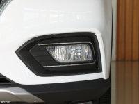 細節外觀榮威RX5霧燈