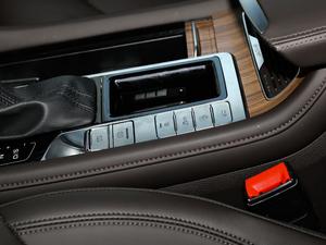 2018款30T 智联网两驱至尊版 驻车制动器